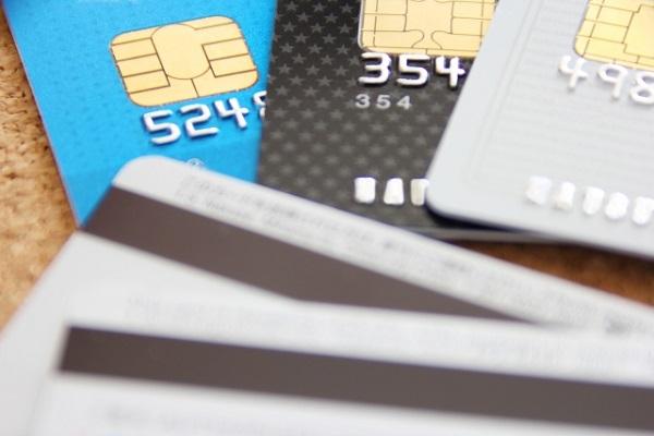 事実婚 クレジットカード